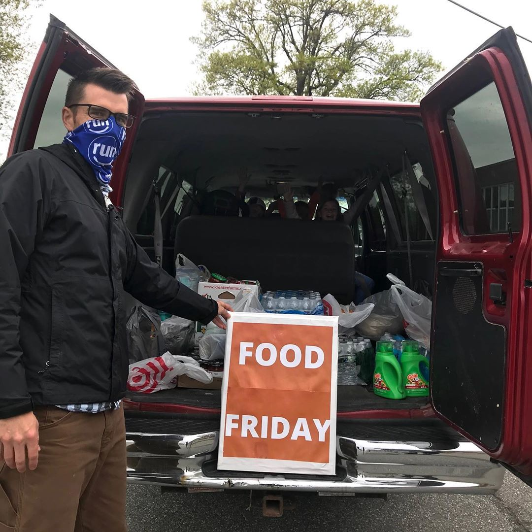 Thanks to everyone who is coming out to drop off Food Friday donations despite the rain! Thank you for your generous support!